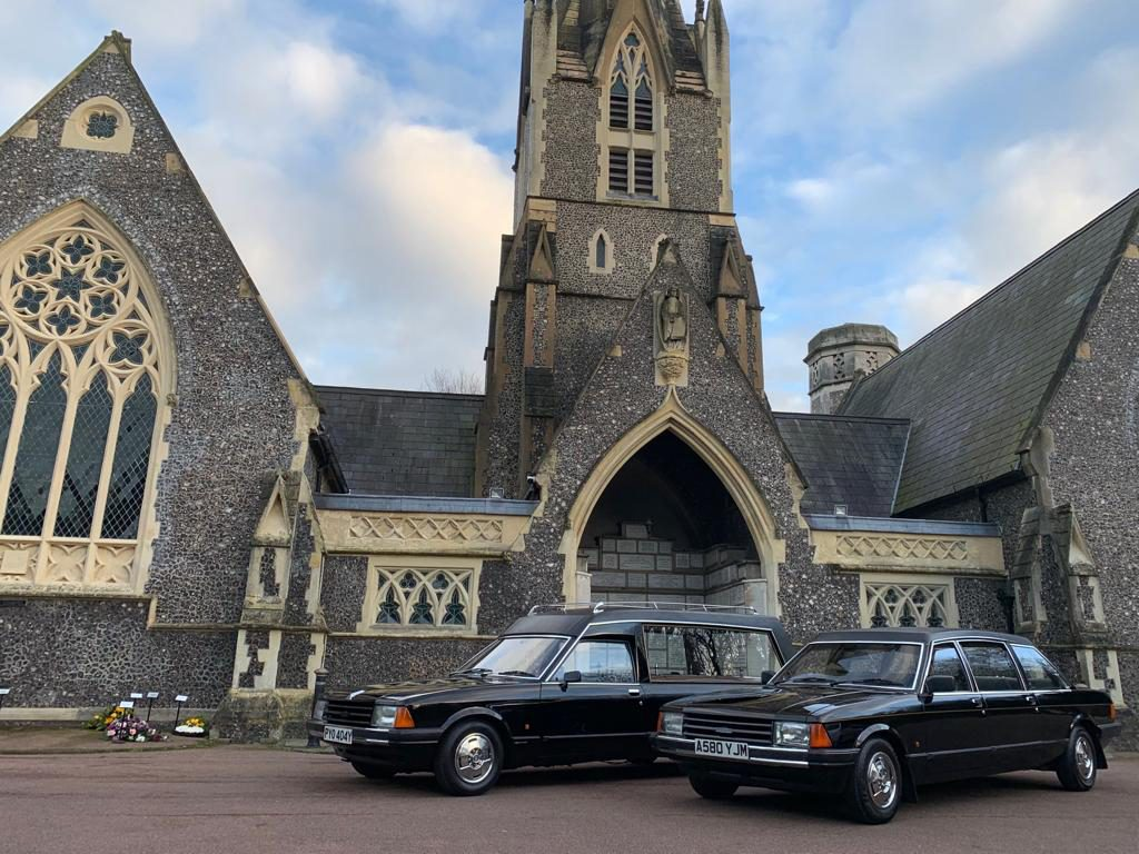 Henfield Funeral Services - Ford Granadas 1